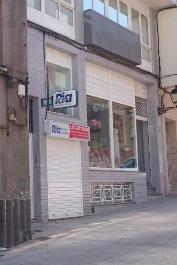 se vende local comercial en Ribeira